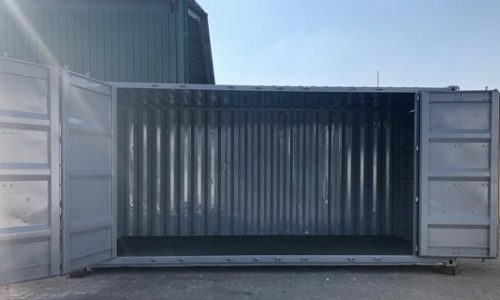 Stacking container doors to give full access